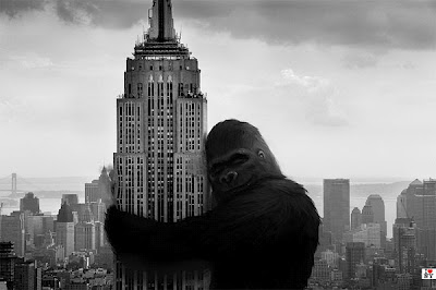king kong hugging empire state building