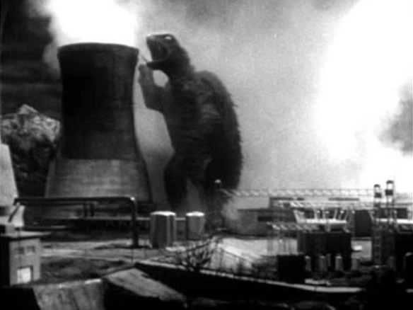 Just try and deny the raw sexuality and carnal thrills of Gamera dry-humping a smokestack into smoldering rubble.