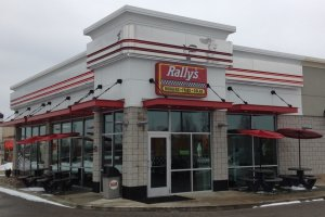 rallys-hamburgers-featured-in-undercover-boss-dfc79e86a1e2b5fe